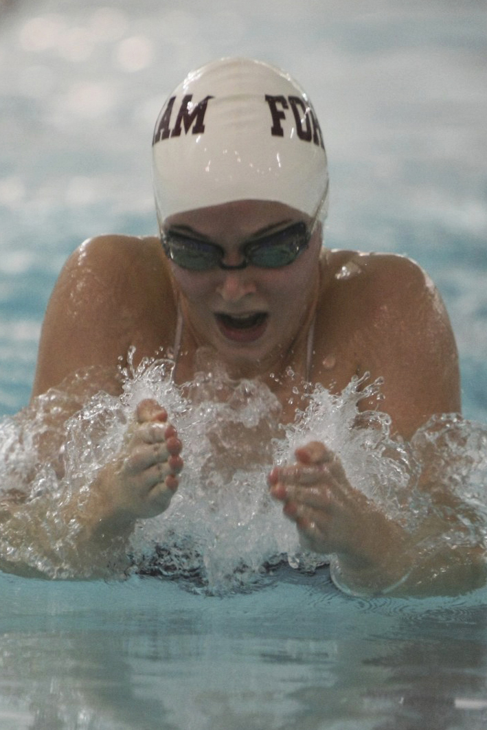 Both the men's and women's teams defeated La Salle on Saturday.