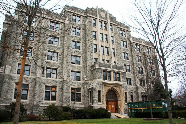 With just six people able to live in the building, Loyola Hall was permitted by the city to begin occupying freshman just hours before move-in. Isabella DiPuma for The Fordham Ram