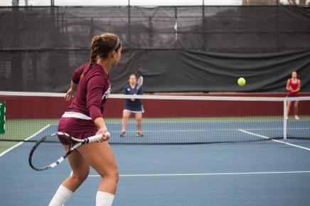 Women's Tennis Victorious Heading intoA10's