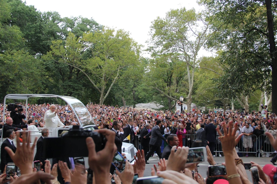 The Papal Motorcade Arrives in Central Park