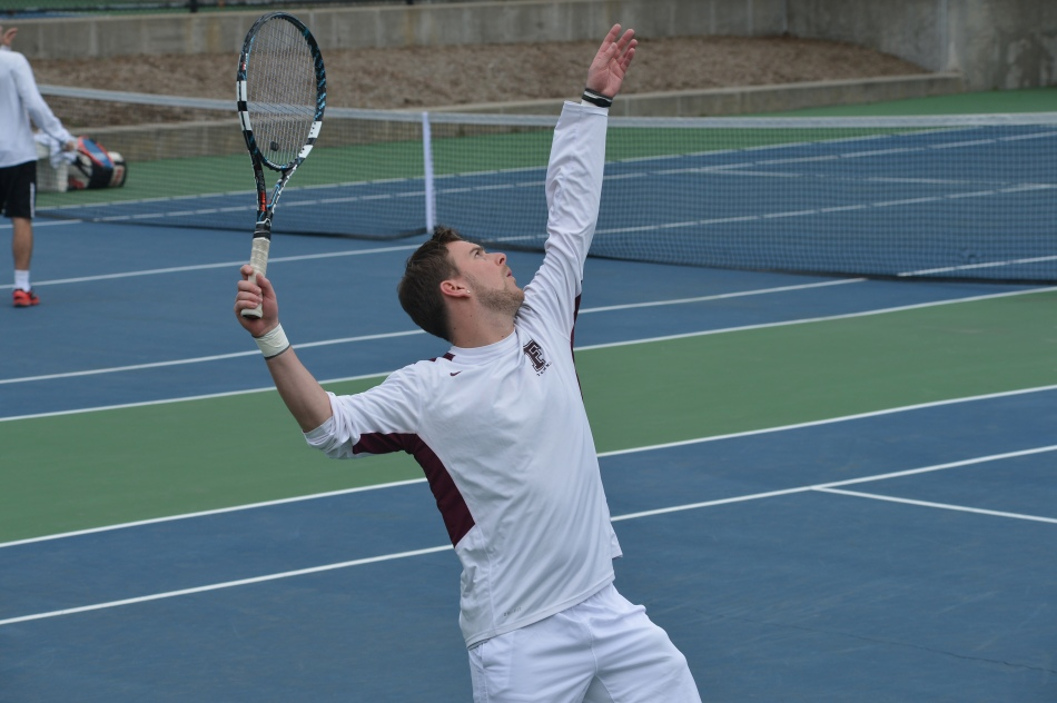 Men's Tennis Falls Short at Hofstra Invite
