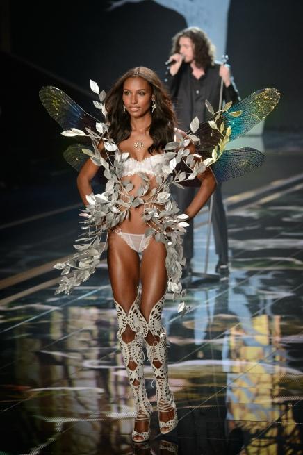 Popular Fashion Brands Embrace BodyPositivity