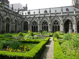 The Met Cloisters feature several gardens modeled after those in medieval European monasteries, exuding peace. (Courtesy of Flickr).