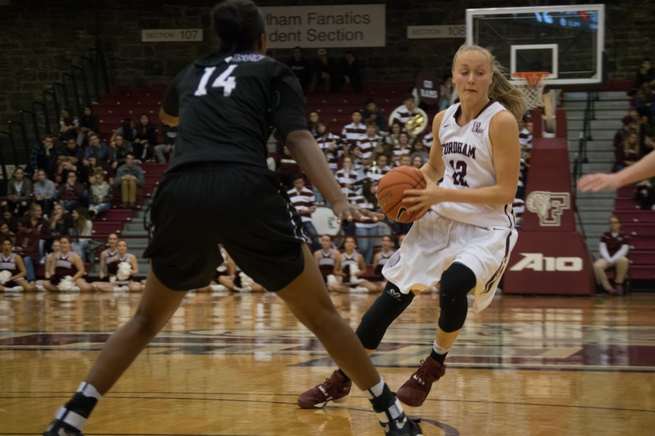 Women's Basketball Takes Third at Miami ThanksgivingTournament