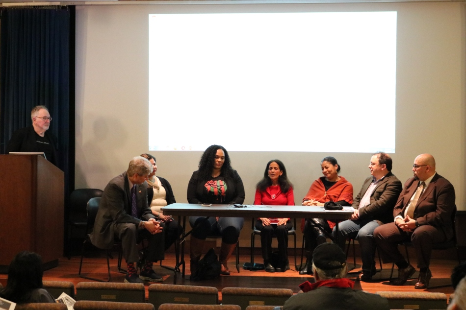 Panelists Discuss Race andEducation