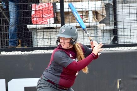 Softball Wins Four of Five Against A-10 Foes